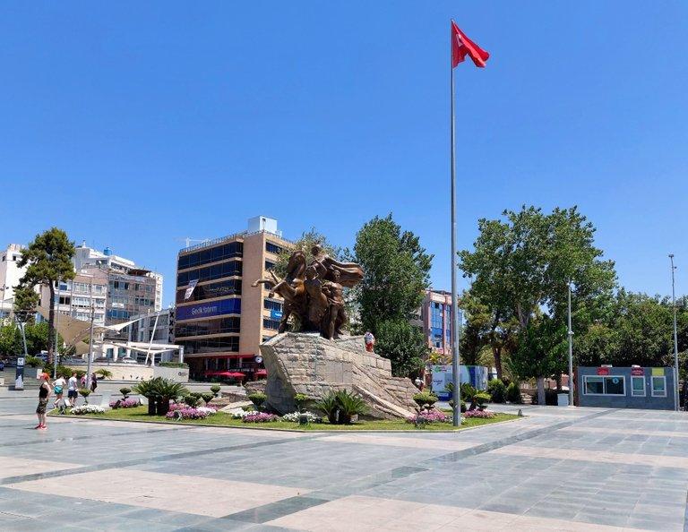 cumhuriyet_medyani.jpg