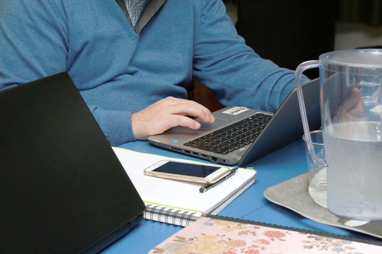 office-4194326_1280.jpg