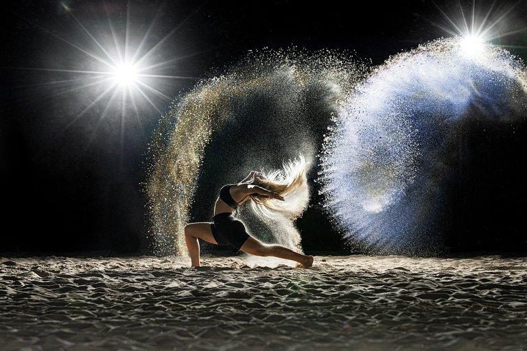 dancer-5576002_1280.jpg