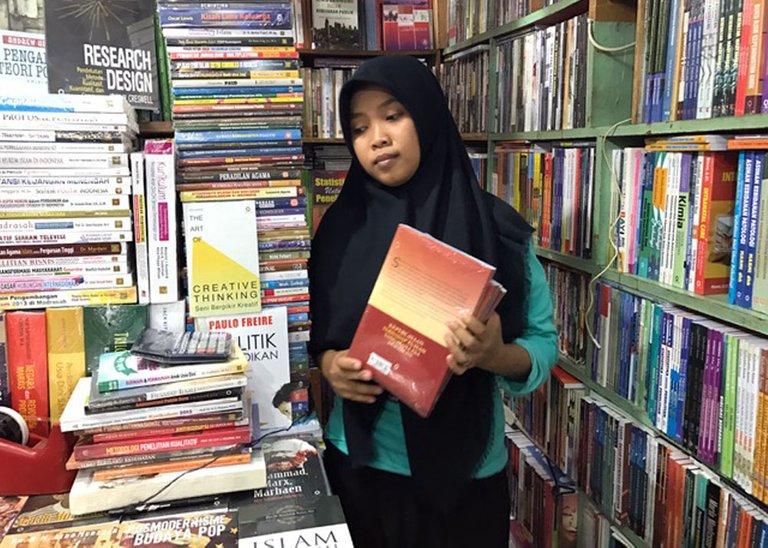 Shopping Books_04.jpg