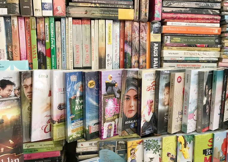 Shopping Books_10.jpg