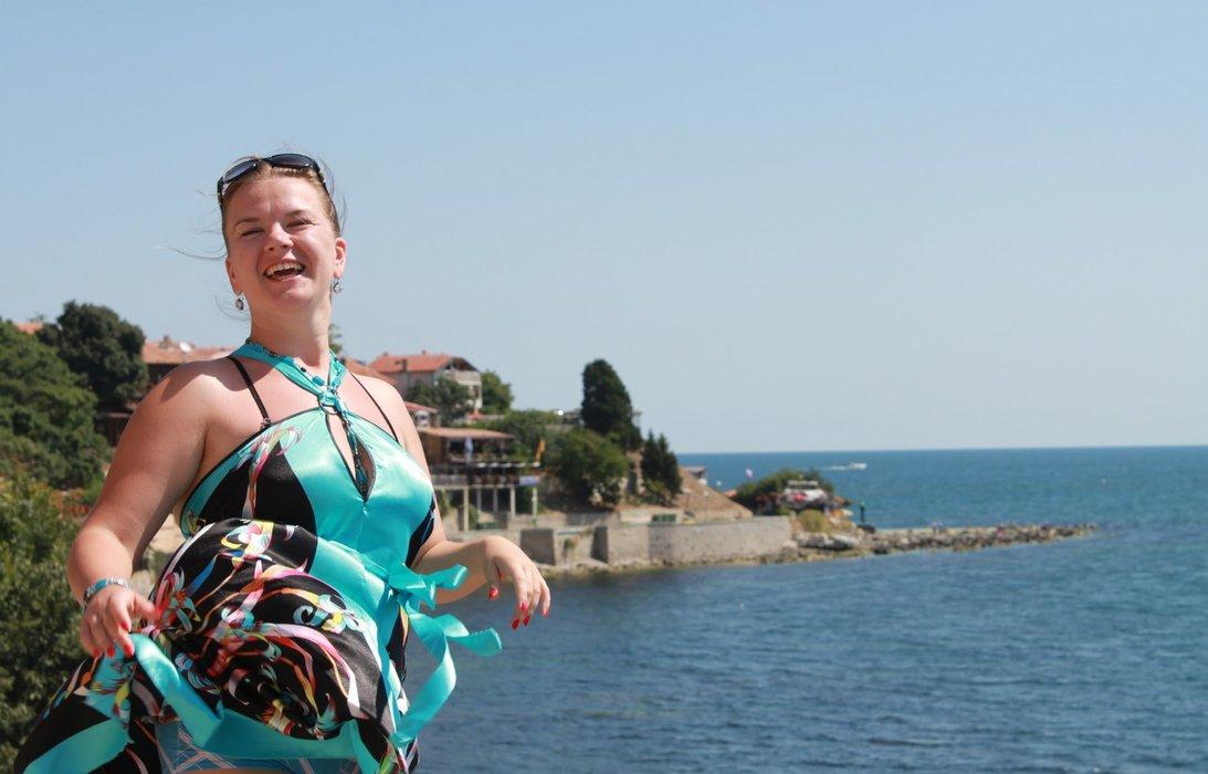 I am on a beautiful sea background