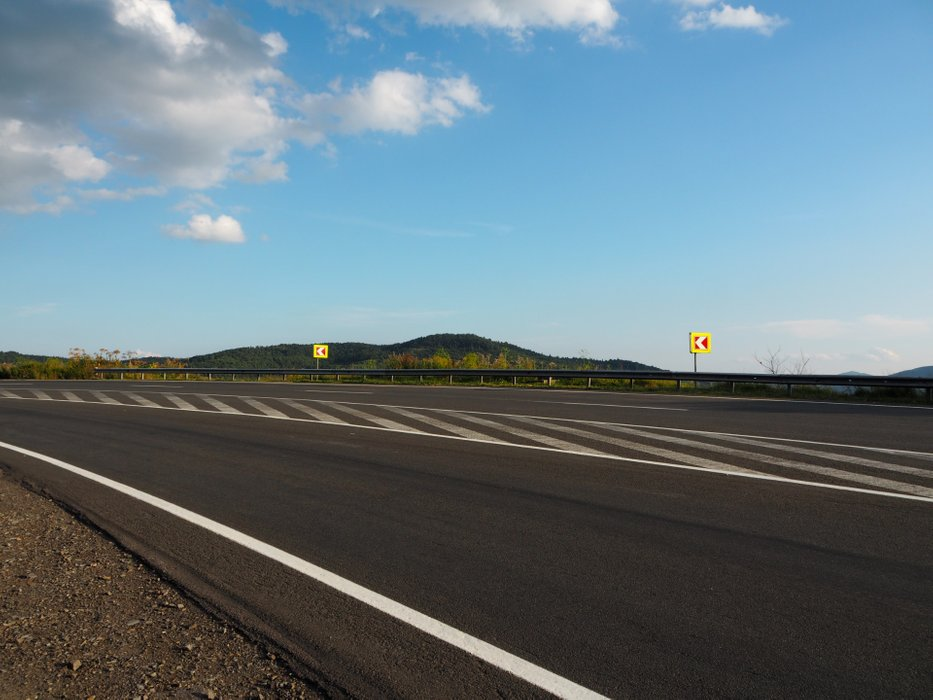 The highway on which we went to Synevyr