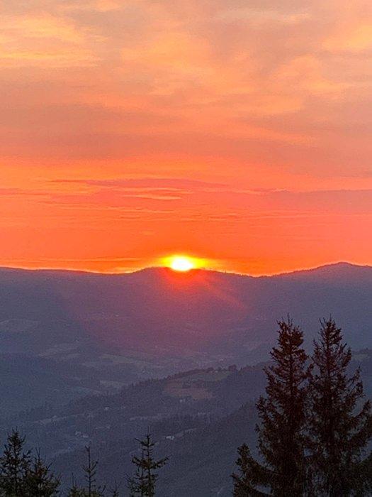 Wschód słońca ze Stożka