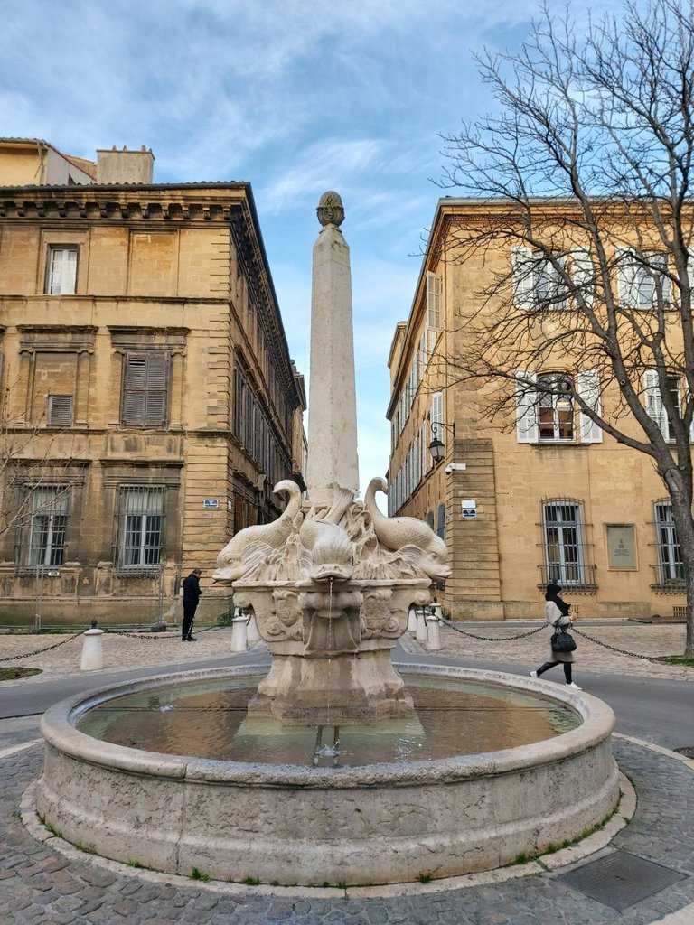beautiful buildings in France3.jpg
