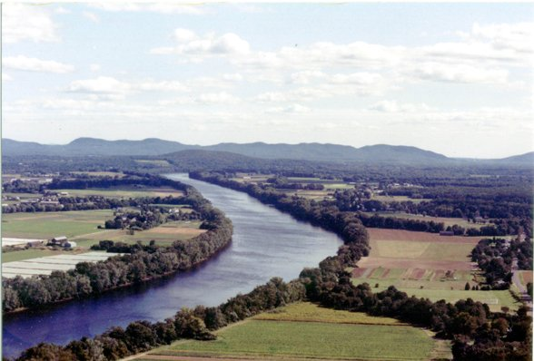 2Ct. River Valley from Sugarloaf1.jpg