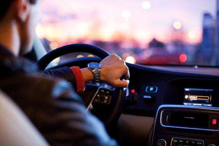 car1149997_1280.jpg