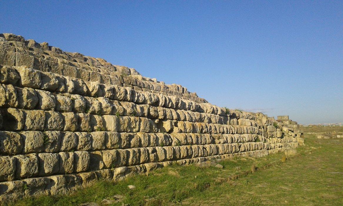 Ara della Regina Etrurian temple
