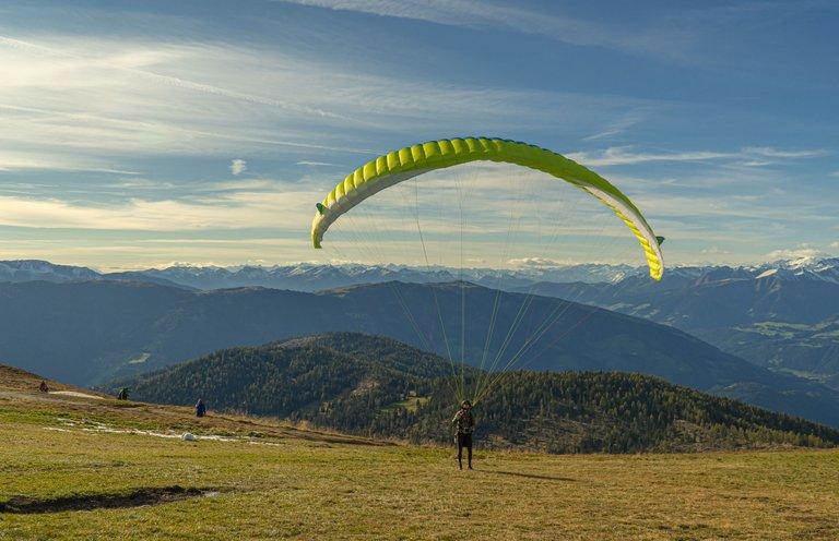 paragliding0.jpg