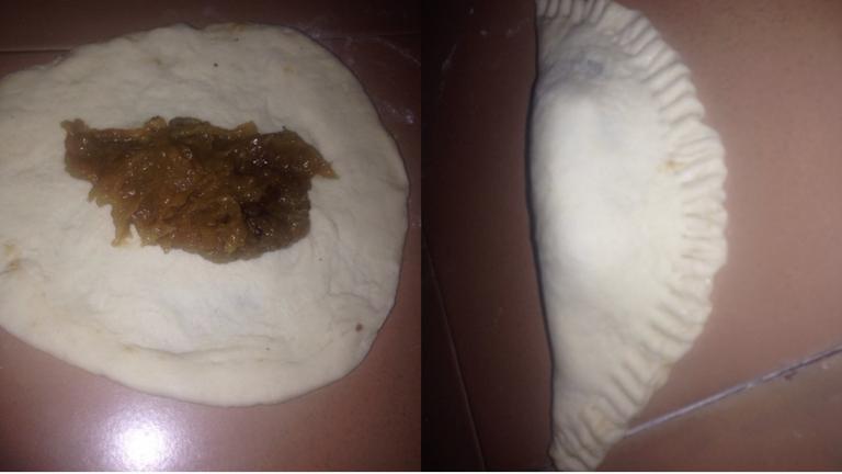 Empanada Rellens de Jalea de Platano (2).png