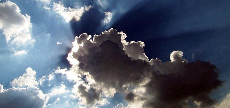 clouds-17812_1280.jpg