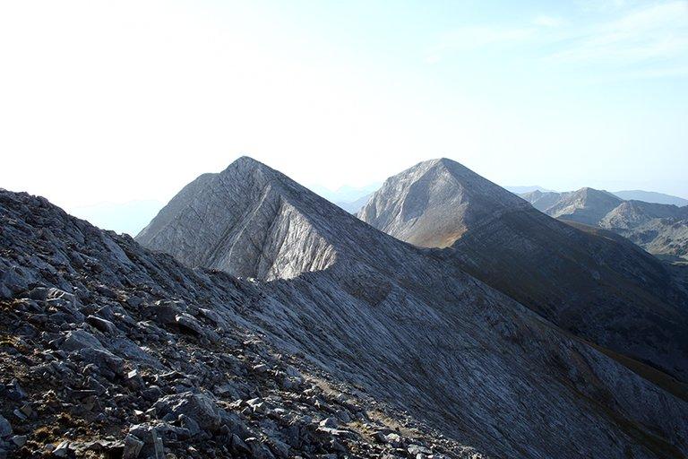 Mountainside_07_s.jpg