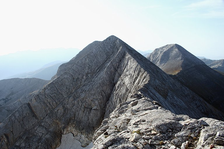 Mountainside_06_s.jpg
