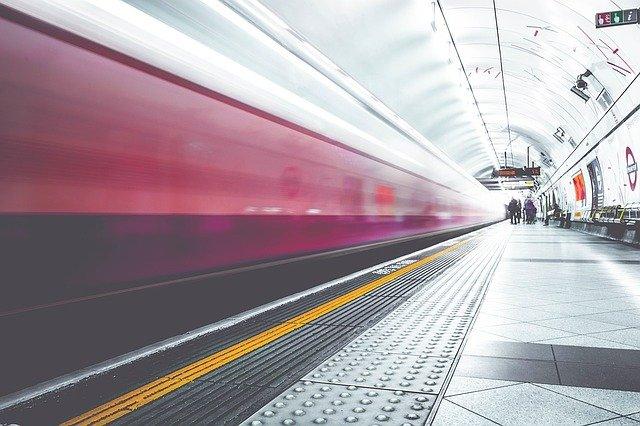 metro-1209556_640.jpg