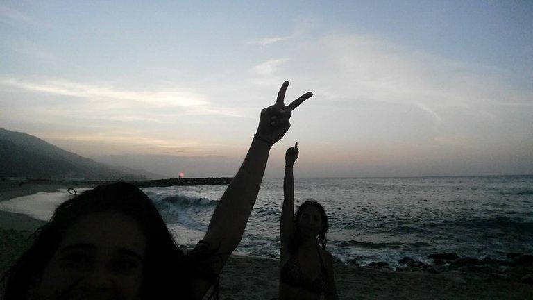 pili y mau playa.jpg